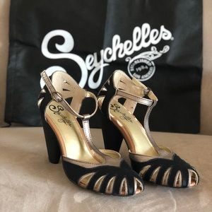 Seychelles Pot of Gold heels